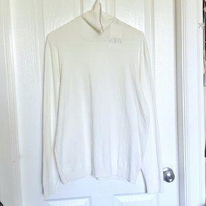 NWT Zara White Turtleneck Sweater